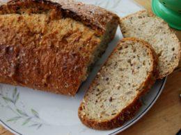 whole grain bread slices