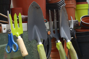 Teacher Suspended for Showing Gardening Tools to Class