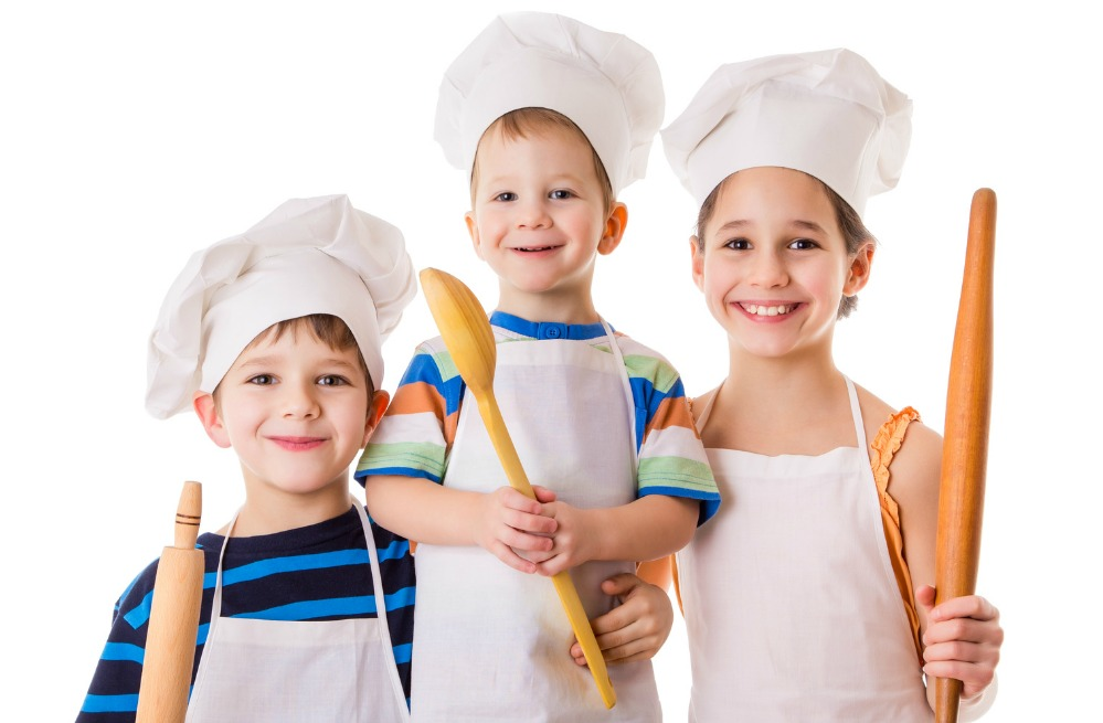 5 Basic Cooking Skills Children Need to Learn