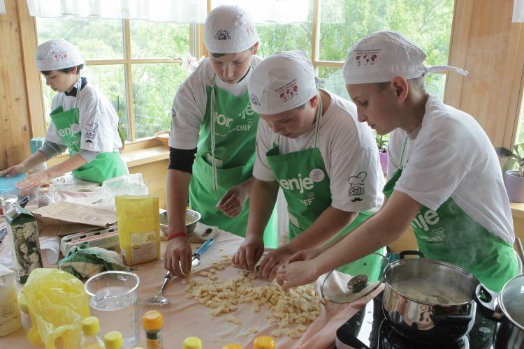 Cooking kids1_mini (1)