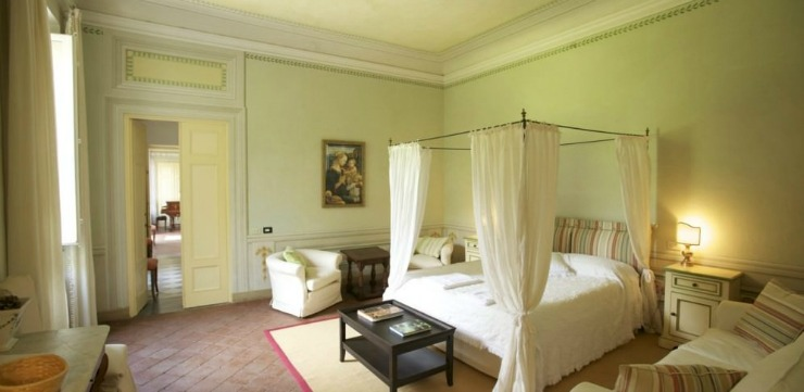 The spacious rooms will bring you back in time to the 18th Century when the villa was used as a vacation retreat.
